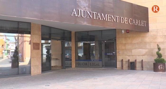Maria Josep Ortega, Alcaldessa de Carlet, reitera l'oposició a lainstal·laciódel abocador després de conéixer la voluntat de l'Ajuntament de
