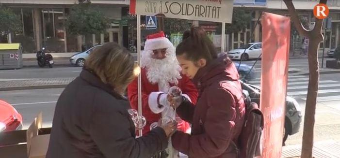 La Campanya Per Nadal el Comerç Sona a Solidaritat d'Alzira ha recaptat 1.748 euros per a Creu Roja