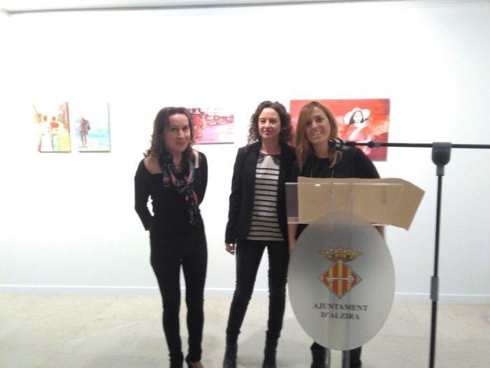 """Carmen Montero triomfa a Alzira amb la seua exposició """"Lo mejor del día"""""""