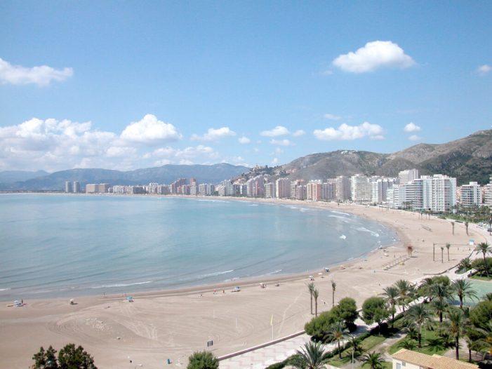 Cullera treballa per a que en 2019 el 40 % dels turistes siguen estrangers