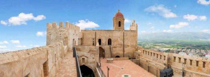 El Castell de Cullera bat rècord de visitants en 2017