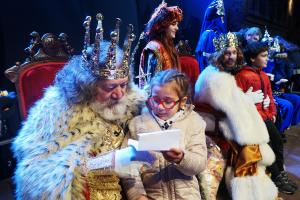 Els Reis Mags arriben a Cullera envoltats d'un món de fantasia