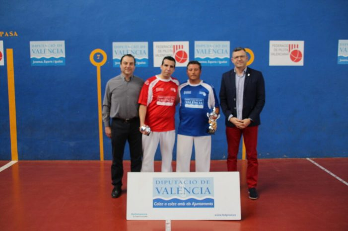 Adrián de Museros, Peluco de València i Pedro de Villalpardo, guanyadors del 4 i mig de frontó a Almussafes