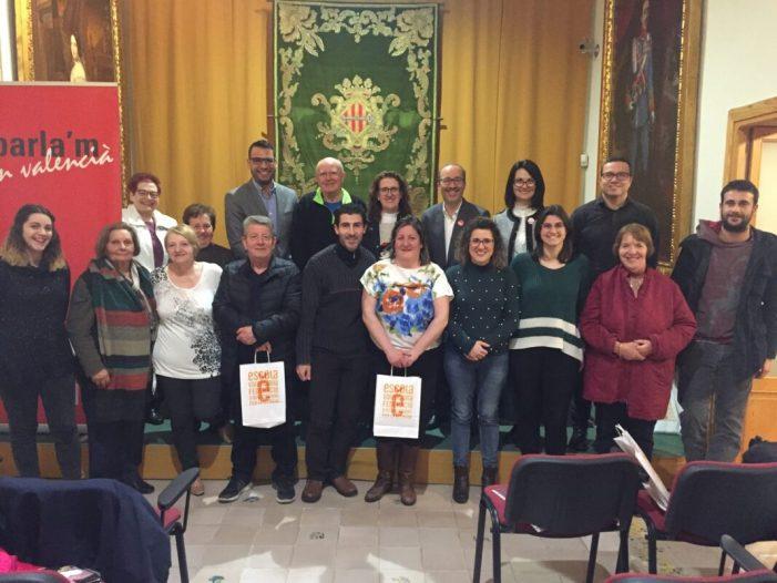Una quinzena de voluntaris participen del programa Voluntariat pel Valencià