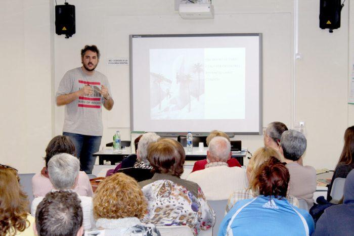 L'ambientòleg Andreu Escrivà imparteix una xarrada sobre canvi climàtic a Almussafes