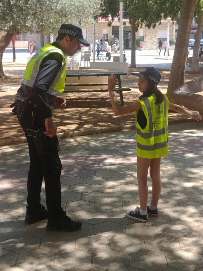 Els escolars d'Almussafes aprenen educació vial gràcies a la Policia Local