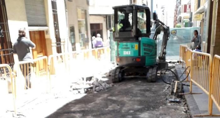 Comencen les obres, de conversió en zona de vianants, al carrer Hort dels Frares d'Alzira