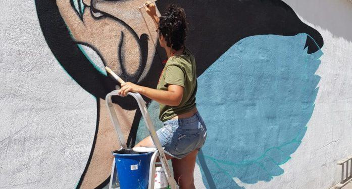 Alqueriarte, l'activitat artística que pinta murals al barri de l'Alquerieta