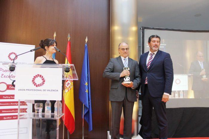 El Dr. José Piquer, guardonat per la Unió Professional de València