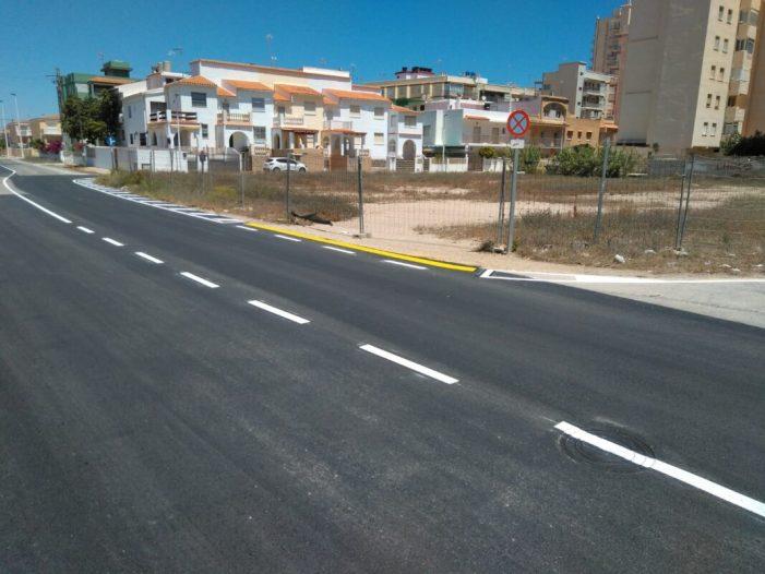 L'Ajuntament de Sueca condiciona vials, voreres i terrenys d'aparcaments públics