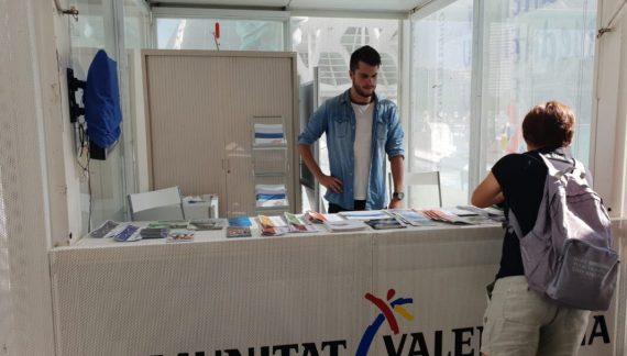 Cullera promociona els seus atractius turístics a València
