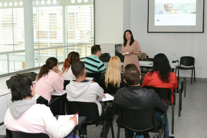 L'Ajuntament de Paiporta i la Cambra de Comerç de Valencia ofereixen un curs gratuït d'activitats auxiliars de comerç per a joves