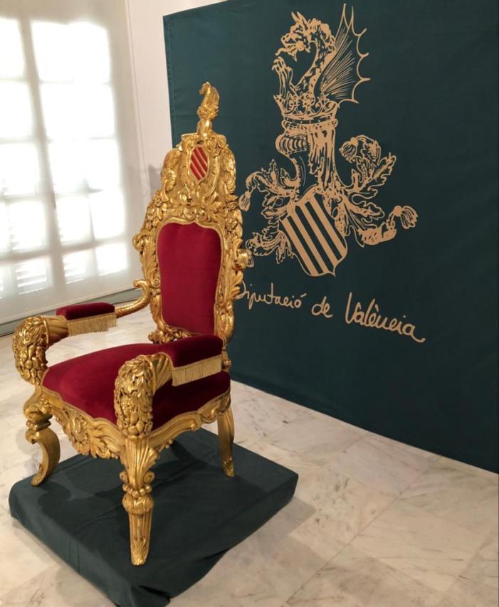 La Diputació mostra la Cadira d'Or que va ocupar el rei Alfons XIII en l'Exposició Regional de 1909