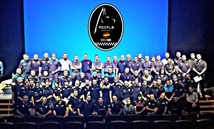 La Policia Local de Cullera participa en el primer Campus d'Unitats Canines