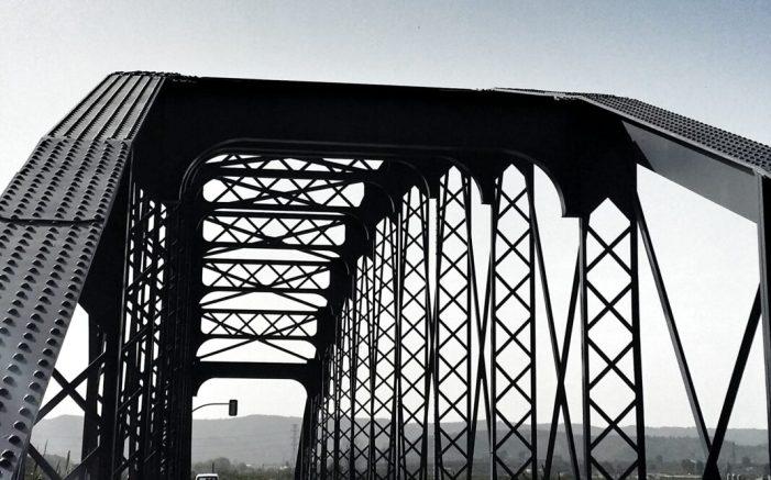 Gavarda acull l'exposició de la Diputació sobre els ponts de ferro de la Ribera