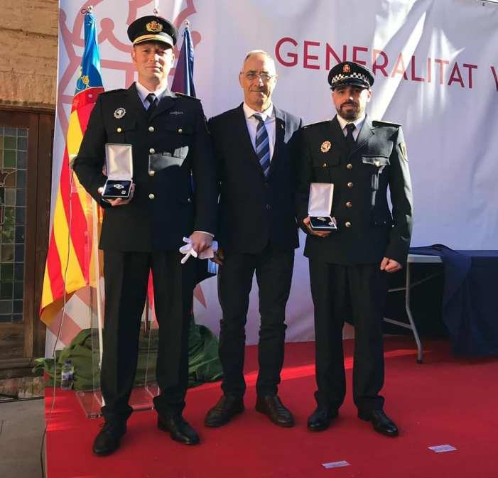 Dos agents de la Policia Local de Godella, condecorats per l'Agència Valenciana de Seguretat