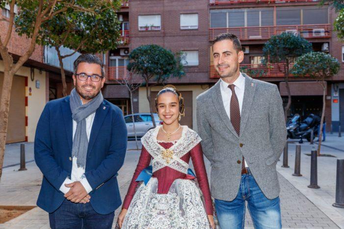 La fallera major infantil de València assisteix a la presentació dels esbossos de les falles de Mislata