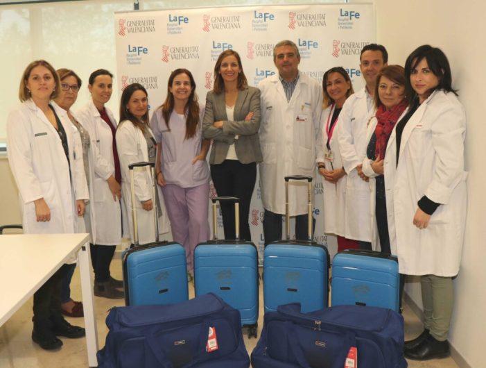 La Unitat Domiciliària Pediàtrica de la Fe rep la donació d'unes maletes per a acostar els tractaments al domicili dels pacients