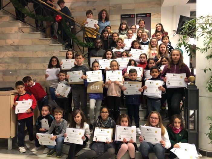 """Prop de 2.000 escolars de Burjassot reben el seu reconeixement i premis per la participació en la campanya de neteja """"Volem millorar, ajuda'ns"""""""