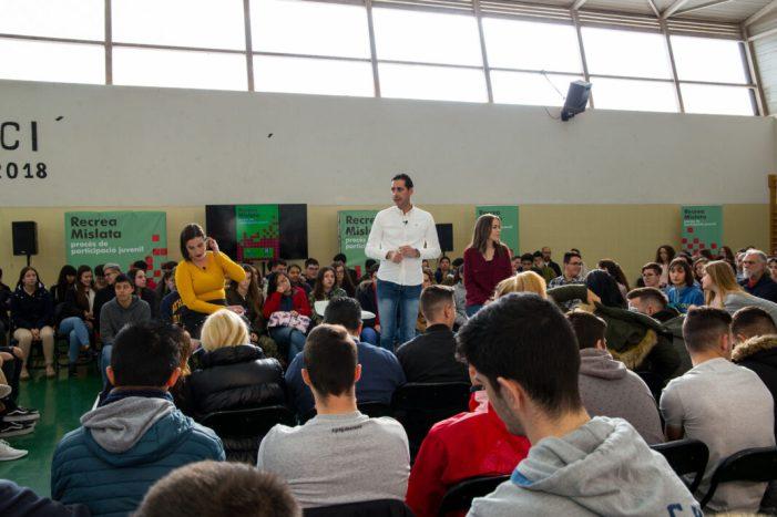 Més de 300 estudiants traslladen directament les seues propostes a l'alcalde de Mislata