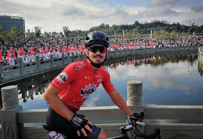 El ciclista almussafense Eric Valiente renueva con Vib Sports por un año