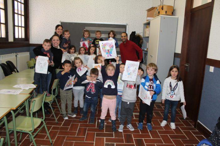 Vora 240 xiquetes i xiquets a l'Escola de Nadal d'Alzira