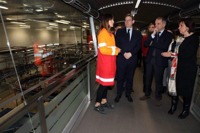 Ximo Puig visita les instal·lacions de Coca-Cola a Quart de Poblet