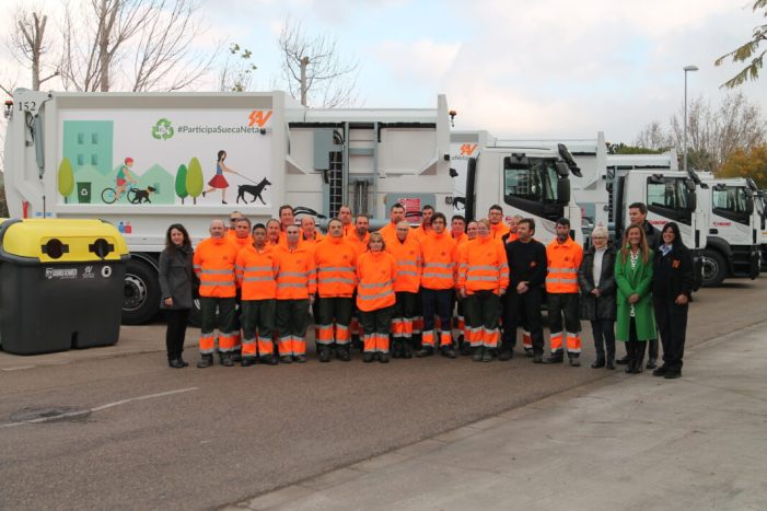 Sueca presenta el nou parc mòbil complet i la nova imatge del servei de neteja viària i recollida de residus