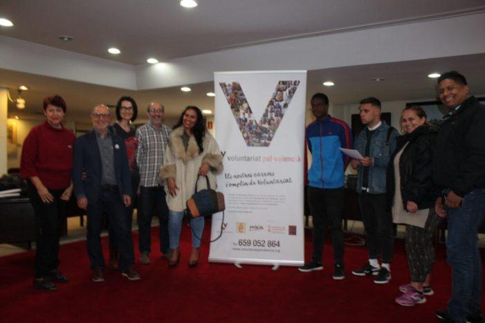 Alzira presenta, per tercer any consecutiu, el Voluntariat pel Valencià