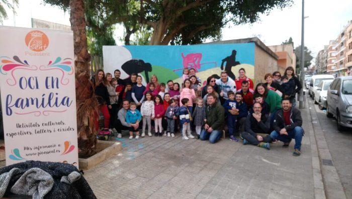 «Pintem un món de colors» amb el Programa municipal «Oci en Familia» a Picassent