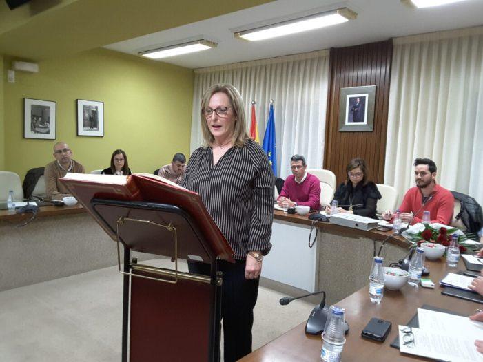 Pepa Pastor pren possessió com a regidora de l'Ajuntament d'Almussafes