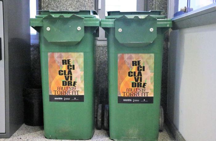 Torrent se suma a la campanya per a fomentar el reciclatge de vidre en Falles