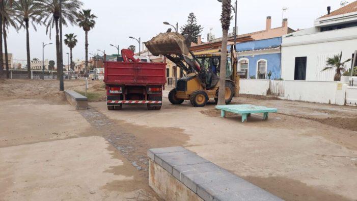 Alboraia contínua amb els treballs de neteja i recuperació en les seues platges de Port Saplaya i Patacona
