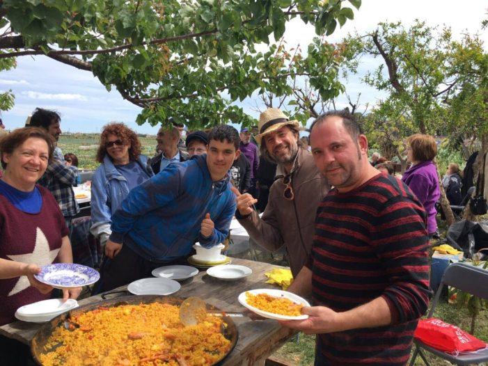 L'associació d'horts municipals, de Godella, La Coscollosa celebra la primavera amb un dinar de germanor