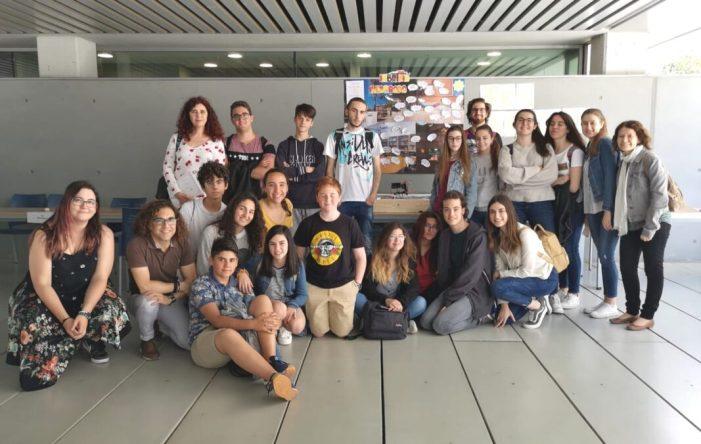 L'IES Enric Soler i Godes de Benifaió presenta el seu projecte d'innovació educativa MOMO