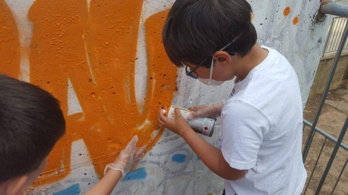 L'alumnat del Programa Soci Educatiu Municipal d'Almussafes crea un nou grafit