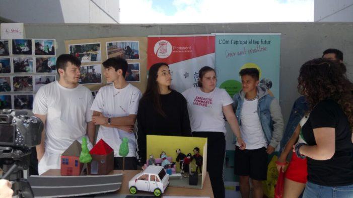 L'alumnat de 4t d'ESO i 1r Batxillerat de l'IES l'Om de Picassent presenta un projecte tecnològic a la Universitat de València