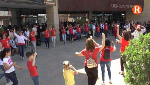 La localitat de Carlet ha celebrat el Dia Internacional de la Dansa.