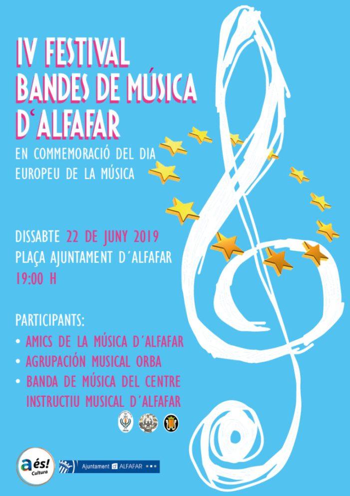 La Plaça de l'Ajuntament d'Alfafar acull els concerts de les bandes del Centre Instructiu Musical (CIM), Amics de la Música d'Alfafar i l'Agrupació Musical Orba.