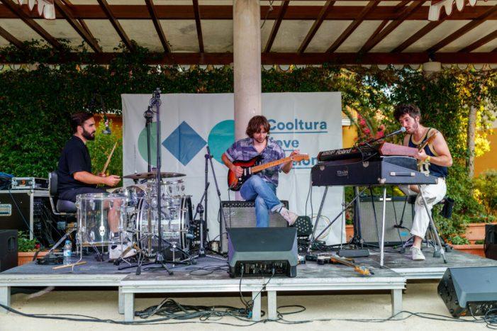 El grup valencià Polock actua als jardins de L'Hort de Sendra de Mislata