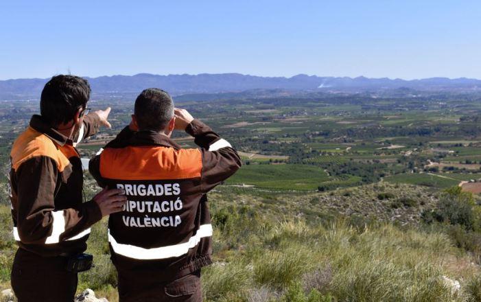 Els brigadistes de la Diputació reforcen la vigilància per a detectar incendis en la seua fase inicial