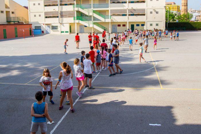Més de 200 xiquets i joves de Mislata gaudeixen de les seues vacances en els campaments municipals
