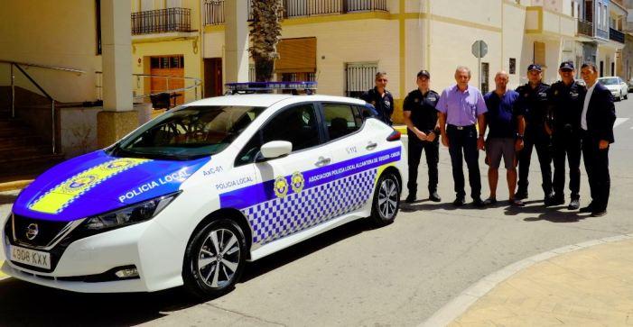 Càrcer i Alcàntera de Xúquer aposten per la sostenibilitat amb un cotxe de policia elèctric