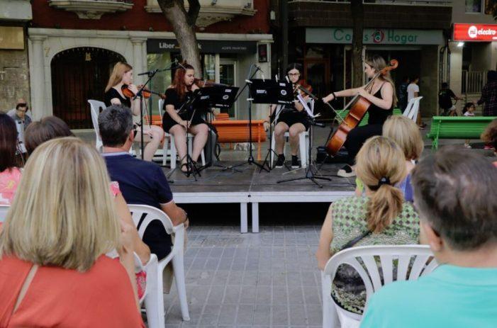 Les places de Torrent amenitzen les seues vesprades amb 'Música a la fresca'