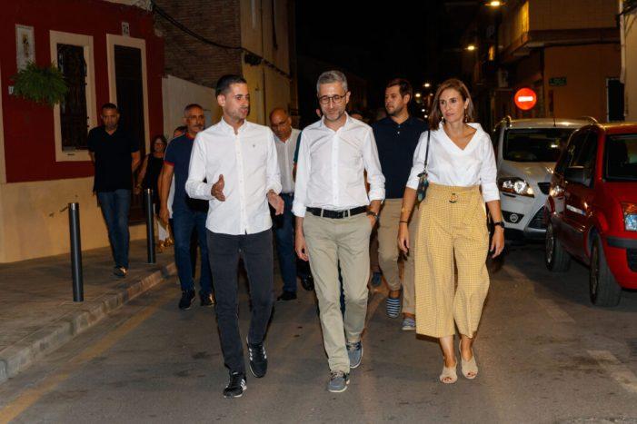 Mislata rep la visita del conseller Arcadi España i representants de la comarca en una jornada de festes multitudinària