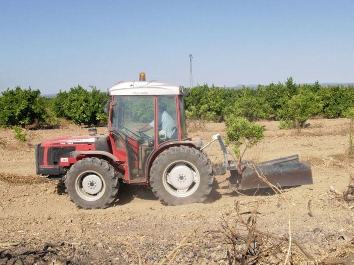 LA UNIÓ de Llauradors s'oposa a la baixa d'ofici dels tractors i maquinària més antiga sense disposar de dades reals ni alternatives