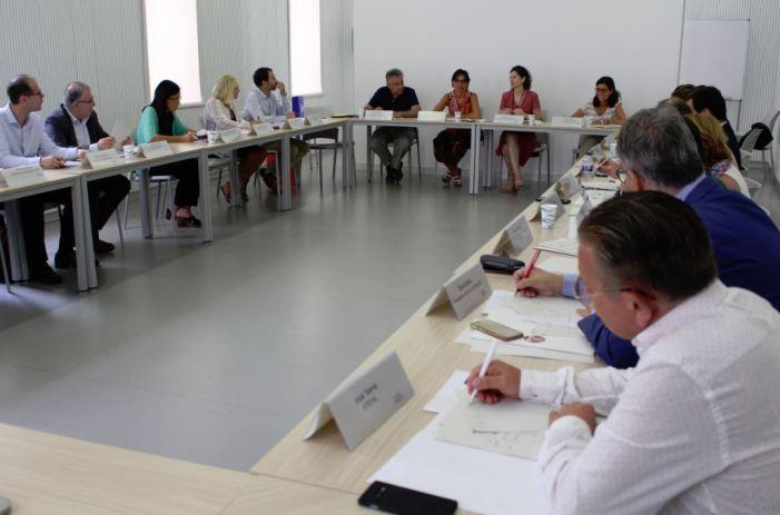 Es constitueix la comissió de seguiment per a la defensa dels interessos dels sectors productius valencians a l'exterior