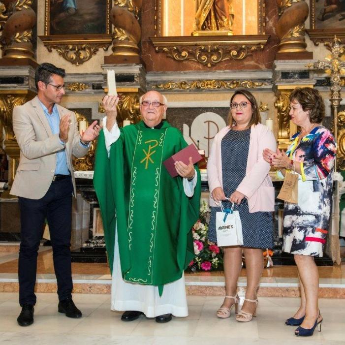 Almussafes s'acomiada del seu sacerdot amb una multitudinària eucaristia