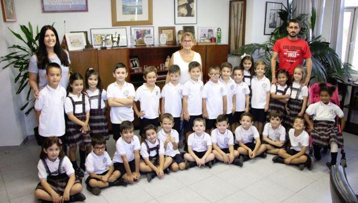 L'alumnat de primària del col·legi Sant Cristòfor Màrtir dePicassent visita l'Ajuntament
