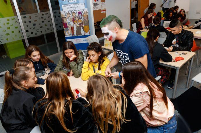 Més de dos-cents joves gaudeixen a Mislata d'un cap de setmana d'oci saludable ambientat en Halloween